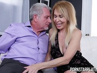 Erica Lauren Gets Treated To A Thick Dick - Gilf Hump