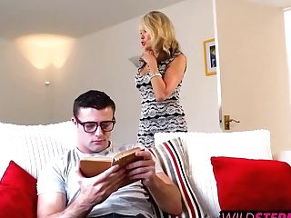 Tia Layne Ate Her Out While Max Fucked That Taut Cougar Twat