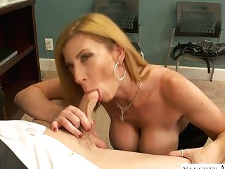 Mouth Watering Mummy In Stockings Sara Jay Hooks Up With Her...